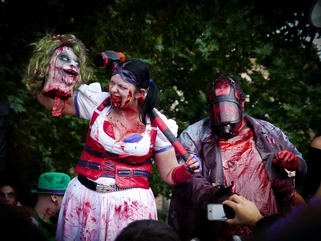 Blutiges Zombie Pärchen