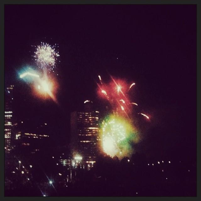 Feuerwerk von der Skyline in Melbourne, Australien